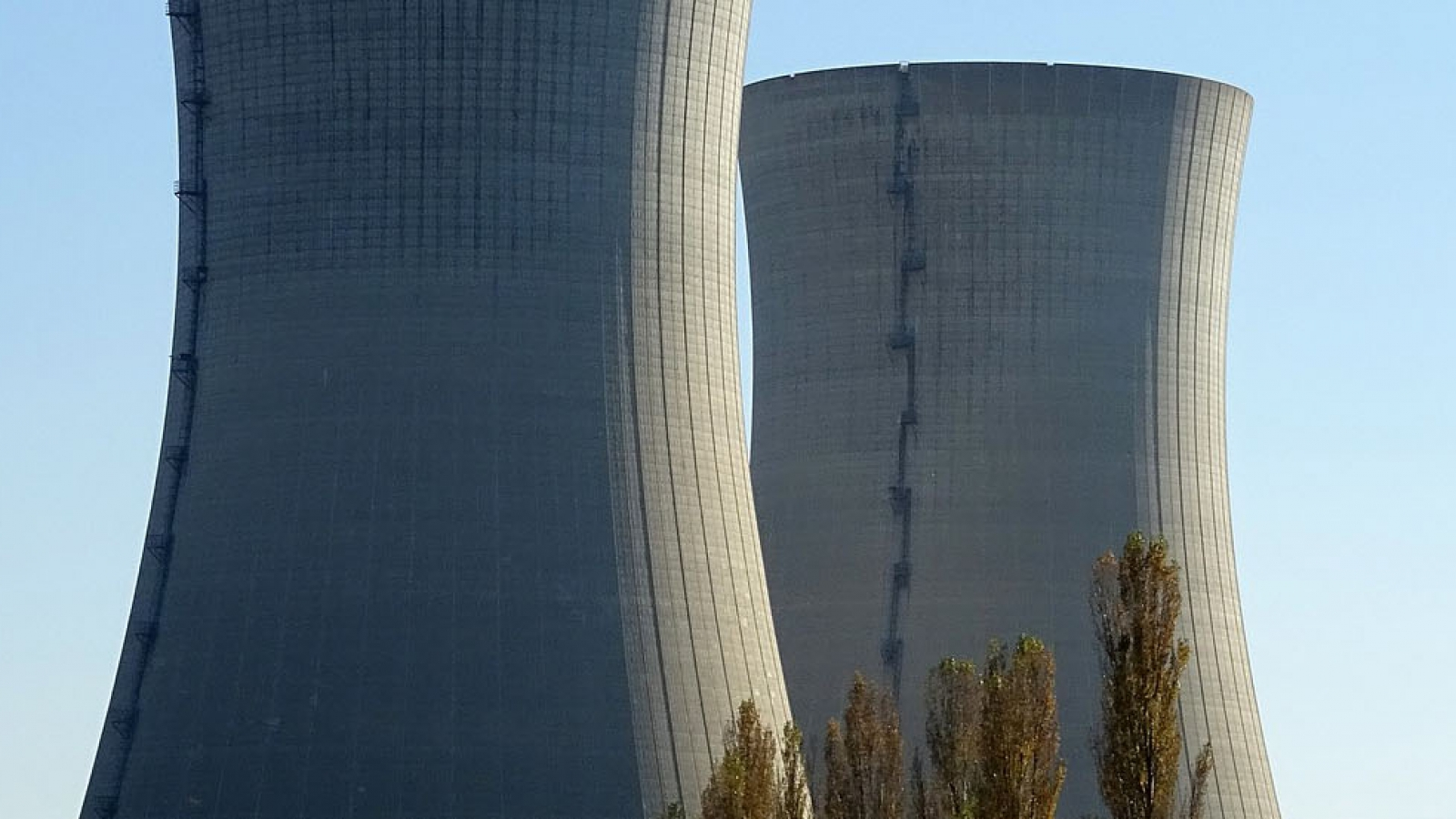 nuclear-power-plant-2854866_1920_header